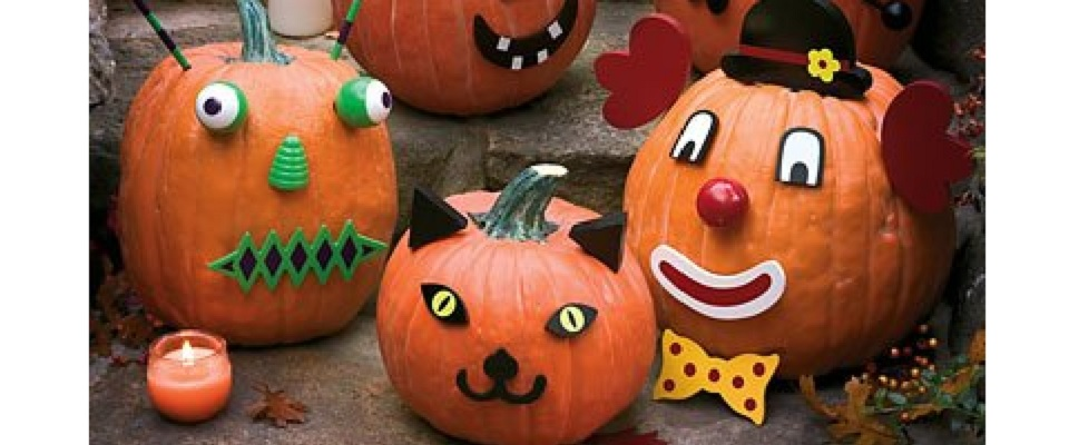 Outdoor halloween party decor - No Carve Halloween Pumpkins With Pumpkin Decorating Kits